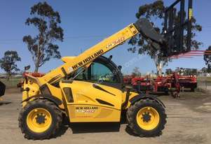 New Holland   LM740 Telehandler
