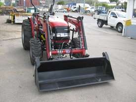 Case IH Farmall 50 B FWA/4WD Tractor - picture2' - Click to enlarge