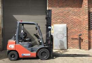 Toyota LPG/Petrol Counterbalance Forklift