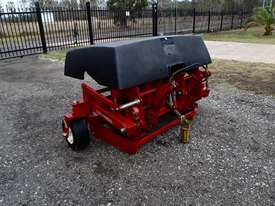 Toro HC4000 Aerator Tillage Equip - picture4' - Click to enlarge