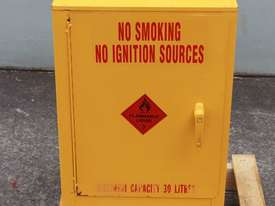 Flammable Goods Cabinet - picture1' - Click to enlarge