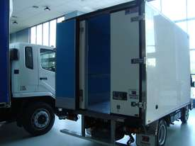 Fuso Canter 515 Narrow Refrigerated Truck - picture4' - Click to enlarge