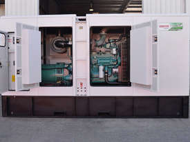400KVA Generator (412KVA Standby 375KVA Primepower)  - picture0' - Click to enlarge