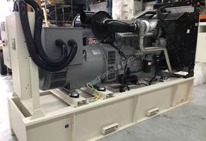 440kW/550kVA 3 Phase Skidmounted Diesel Generator.  Perkins Engine.
