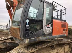 Hitachi ZX270 Tracked-Excav Excavator - picture1' - Click to enlarge