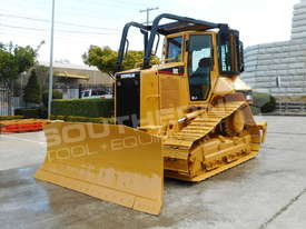D5N XL Bulldozer with screens & sweeps DOZCATM - picture2' - Click to enlarge