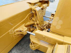 D5N XL Bulldozer with screens & sweeps DOZCATM - picture8' - Click to enlarge