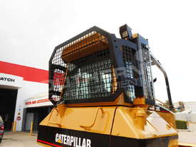 D5N XL Bulldozer with screens & sweeps DOZCATM - picture13' - Click to enlarge