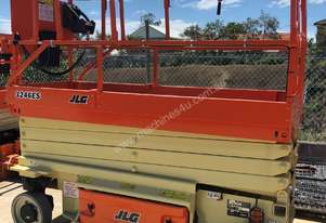 10-year Recertified JLG 3246ES