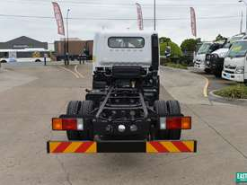 2019 Hyundai MIGHTY EX6  Cab Chassis   - picture3' - Click to enlarge