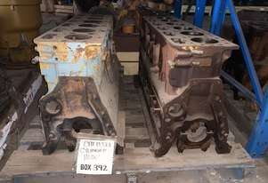 CATERPILLAR D333 CYLINDER BLOCK