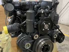 Mercedes-Benz OM926LA 325HP (240kW) Diesel Engine  - picture1' - Click to enlarge