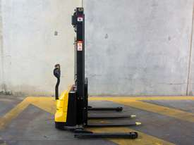 Liftsmart LS10 - Battery Electric Walkie Reach Stacker - picture3' - Click to enlarge