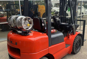 3 Tonne Container Stuffer Forklift For Sale