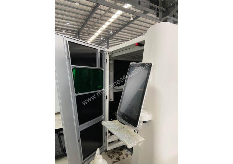 3kW  twin table  enclosed laser cutting system