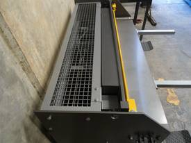 KGS-4 1250mm x 1.6mm school guillotine - picture7' - Click to enlarge