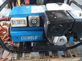 CIGWELD Petrol 190 amp Welder Generator 3 Phase - picture0' - Click to enlarge