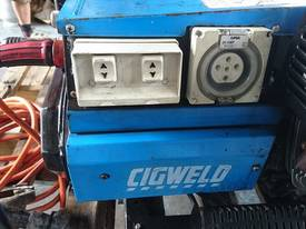 CIGWELD Petrol 190 amp Welder Generator 3 Phase - picture1' - Click to enlarge