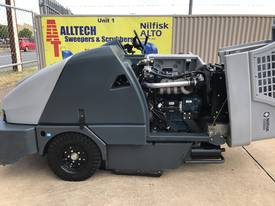Nilfisk SW8000 LPG  Ultra low hrs - picture6' - Click to enlarge