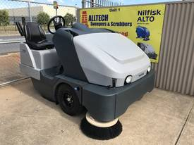 Nilfisk SW8000 LPG  Ultra low hrs - picture3' - Click to enlarge