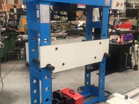 New 60 Ton H Frame Electric Hydraulic Press - picture0' - Click to enlarge