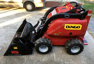 2009 Dingo K94 Pro (690 hrs) and trencher