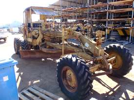 Caterpillar 12E 21F Grader *DISMANTLING* - picture1' - Click to enlarge