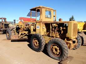 Caterpillar 12E 21F Grader *DISMANTLING* - picture3' - Click to enlarge