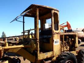 Caterpillar 12E 21F Grader *DISMANTLING* - picture6' - Click to enlarge