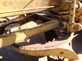 Caterpillar 12E 21F Grader *DISMANTLING* - picture10' - Click to enlarge