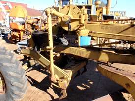 Caterpillar 12E 21F Grader *DISMANTLING* - picture12' - Click to enlarge