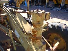 Caterpillar 12E 21F Grader *DISMANTLING* - picture13' - Click to enlarge