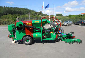 Self-propelled harvesters C 160 S