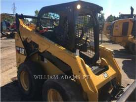CATERPILLAR 242D Skid Steer Loaders - picture1' - Click to enlarge