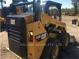 CATERPILLAR 242D Skid Steer Loaders - picture3' - Click to enlarge