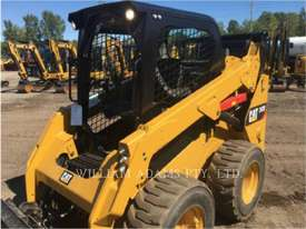 CATERPILLAR 242D Skid Steer Loaders - picture4' - Click to enlarge