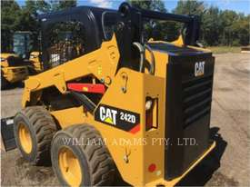 CATERPILLAR 242D Skid Steer Loaders - picture5' - Click to enlarge