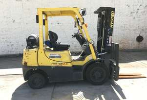 Low Hours - 2.5T Counterbalance  Forklift