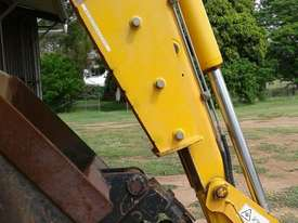 JB Tilt Hitch, off 3CX Backhoe, 90 to 90-degree. EMUS NQ - picture2' - Click to enlarge