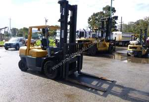 Circa 2005 TCM FG40 3 Ton Forklift IN AUCTION