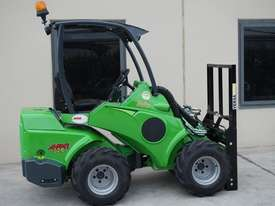 Avant 528 Articulated Loader for Beekeepers - picture14' - Click to enlarge