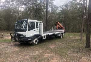 Crane truck Isuzu ftr 900 2006 fitted with a palfinger pk 8500 . Very good condition comes with work