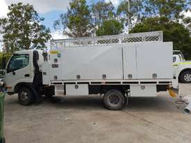 2006 Hino 300 series service truck - picture0' - Click to enlarge