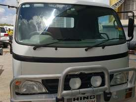 2006 Hino 300 series service truck - picture1' - Click to enlarge