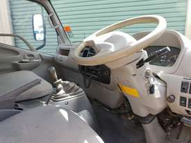 2006 Hino 300 series service truck - picture5' - Click to enlarge