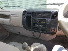 2006 Hino 300 series service truck - picture7' - Click to enlarge