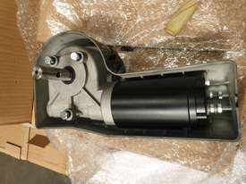 ��Truck tarp motor 12 volt  - picture2' - Click to enlarge