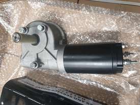 ��Truck tarp motor 12 volt  - picture3' - Click to enlarge