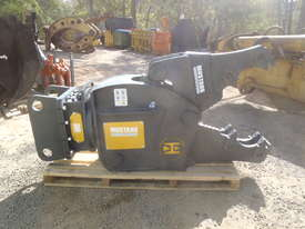 Mustang Pulveriser Crusher NEW - picture9' - Click to enlarge