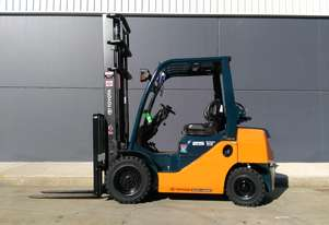 TOYOTA Business Class 2010 2.5 Tonne Forklift in great condition. Located in Sydney